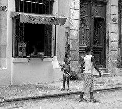 Havana - Cuba (IV2K) Tags: street blackandwhite bw sony havana cuba centro cuban habana juba rx1