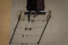 """il pentagramma delle 1  #morrodalba #italy #clod #giornatedifotografia #sensi #enricoprada #canon #pentagramma #ombre #shadows (claudio """"clod"""" giuliani) Tags: italy canon clod sensi morrodalba giornatedifotografia"""