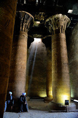 No time to turn at Beauty's glance (chemakayser) Tags: luz egypt sombra nile horus egipto templo edfu nilo