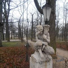 Street light (Navi-Gator) Tags: trees sculpture streetlight poland warsaw