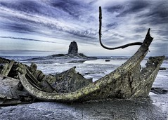 Wreck of the Admiral Von tromp (Dave Tunstall) Tags: yorkshire shipwreck whitby wreck saltwick blacknab admiralvontromp
