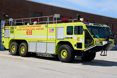 Chicago Fire Department 6-5-8 (nick123n) Tags: chicago fire department rig truck apparatus arff ord kord ohare airport lime green