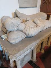 UK - Buckinghamshire - Denham - St Mary's Church - 16th Century tombs of Sir Edward Peckham and his wife (JulesFoto) Tags: uk england clog centrallondonoutdoorgroup buckinghamshire denham church interior tomb 16thcentury siredwardpeckham