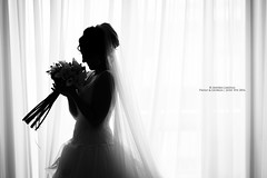 Wedding (Andrea Lanzilli) Tags: flowers wedding bw white black love silhouette canon bride day sister l shooting usm 50 ef f12 canon5dmark2