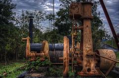 Antiga torre de petrleo (rvcroffi) Tags: old brazil abandoned torre machine steam pump antiga bomba gears hdr vapor engrenagens petroleum mquina abandonado petrleo engenharia guasdesopedro oiltower