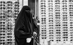 \O-O/ (Peter Florian Schwindt) Tags: street glasses burka
