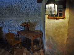 Al fresco, tra le antiche mura... (@oloarge) Tags: interiors wideangle centamedievaledijoannis
