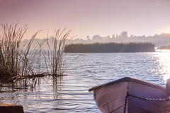 La barca (ancoay) Tags: lake water sunrise lago dawn boat agua barca amanecer aigua estany