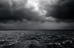 Jadebusen (Herr Bloch) Tags: white storm black surfer balticsea jade nordsee thunder wilhelmshaven sdstrand jadebusen helgolandkai