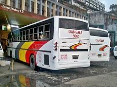 Dangwa Bus (JanStudio12) Tags: bus tree station pine terminal transit trans benguet 983 dangwa lizardo