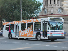 Calgary Transit #7675 (vb5215's Transportation Gallery) Tags: new calgary flyer 1999 transit d40lf