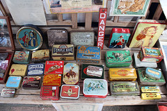 IMG_2335 (anthonycpujol) Tags: road street reflection bird london shop ball mirror football market rugby antique stall angry portobello tins
