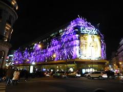 Paris balad bynight: Galeries Lafayette (valkiribocou) Tags: paris balade baladeparisienne serrisbalad randobalade