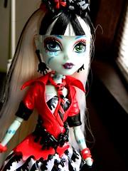 Ello (JoolianShmoolian) Tags: red white anime fashion monster high doll candy sweet sassy frankie dreams stein couture blak screams