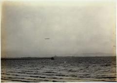Anglų lietuvių žodynas. Žodis airship reiškia n dirižablis lietuviškai.