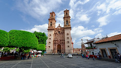 Basilique Santa Prisca à Taxco Mexique (bernard63000) Tags: vw mexico nikon place taxi mexique taxco coccinelle basilique guerrero d700 1424mm etatdeguerrero