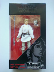 SW: Black (W5)  Luke Skywalker [Tatooine]  Boxed Front (BurningAstronaut) Tags: boy black toy starwars action farm luke figure series lukeskywalker boxed skywalker theblackseries tatooine anewhope markhamill 6inch