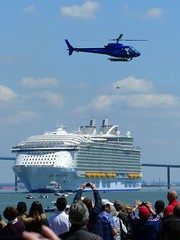Harmony of the Seas (CorcuffR) Tags: saint ship harmony stx seas nazaire passangers paquebot cahntier