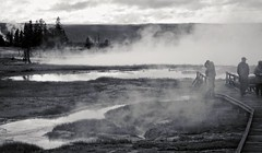 surrounded by water , fumarole (travelben) Tags: park sea sky bw usa cloud mist reflection nature water pool monochrome america landscape nationalpark eau outdoor earth surreal tourist nb basin h2o steam reflet national yellowstone wyoming np nuage visitor geothermal parc thermal magma brume boiling geysers naturel fumarole vapeur fumerole irrel entreterreetciel