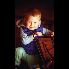 Portrait of a child / Портрет ребенка (aleksejchervjakov) Tags: boy red summer portrait green museum child latvia riga 子供 latvija 아이 孩子 дети дерево лето музей ребенок мальчик латвия рига bērns