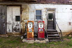 Sixty Six (joeqc) Tags: abandoned canon closed rusty gas mo pump forgotten missouri crusty unleaded regular 6d