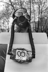 MANIFESTACION CONTRA CENTRAL NUCLEAR DE LEMONIZ (Manel Armengol C.) Tags: espaa spain mask bilbao mascara 1977 manifestacion lemoiz paisvasco antinuclear pancarta nonukes lemoniz centralnuclear basccountry paisbasc manelarmengol nuclearesnogracias nukesnothanks demonstrationagainstnukes demonstrationinbilbao