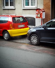 Allez België! - #Brussels #Belgium    #EURO2016 #EC2016 #EK2016 #BELGIRL #football #cars #streetphotography (Ronald's Photo Factory - www.ronaldgiebel.eu) Tags: brussels square football belgium samsung bruxelles squareformat brussel s6 reddevils iphoneography euro2016 instagramapp uploaded:by=instagram wwwronaldgiebeleu ec2016 ek2016 samsungs6
