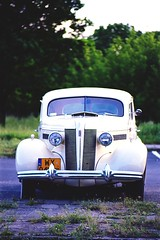 Saturday Night Cruise No. 12 by Buzzing Bugs (Analog World Thru My Lenses) Tags: saturday night cruise buzzing bugs ricohxr7 pentacon4200 kodakektar100 classic cars oldtimer vintage may 2016 warszawa