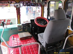 Central EB456 Cockpit (FZJ80Cruiser) Tags: bus fiji cockpit suva hino lal commander2 centraltransport h07d ak3hrk eb456