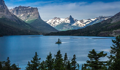 Wild Goose Island - Saint Mary Lake (sonnymencher) Tags: vacation jackie camera2 canadianrockies