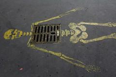 Giaco_9002 rue Dombasle Paris 15 (meuh1246) Tags: streetart paris crne paris15 squelette ruedombasle giaco