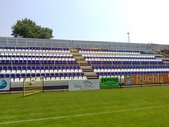 Stadion Krhz utcai (Daplast Seating) Tags: stadium seats estadios stadiumseating korhaz bekescsaba elore