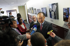 Reports ask World Bank Group President Jim Yong Kim questions after his event at the Council on Foreign Affairs (World Bank Photo Collection) Tags: world kim group bank council foreign relations jimyongkim