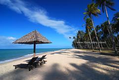 DSC_0089 (Nasey) Tags: sky beach digital landscape nikon bluesky tokina malaysia dslr terengganu coconuttrees nasir d80 setiu mangkuk nasey nasirali tokina1116mm 1116mmf28atx kampungmangkuk