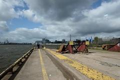 Hafenbahn (funk_explosion) Tags: river harbour hamburg hafen fluss elbe hafencity elbphilharmonie rammbock fujixpro1