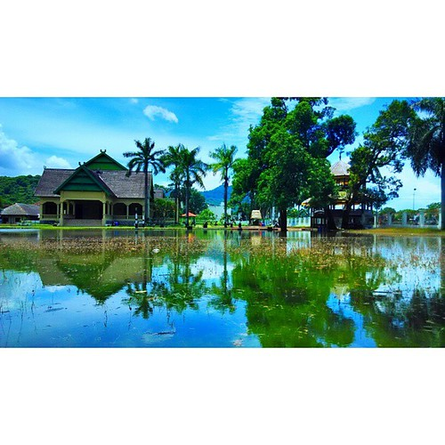 #InstaSize Asi Mbojo (Istana Kesultanan Bima) terendam pagi ini. #tofifoto #exploreBIMA #Budaya
