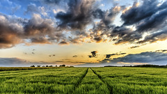 Sunset (Akito-X) Tags: blue sunset green clouds sonnenuntergang wolken grn blau canonefs1022mmf3545usm canoneos7dmarkii