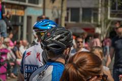 Heads up (stevefge (away travelling)) Tags: street people netherlands race nijmegen cycling candid nederland bikes bicycles giroditalia nederlandvandaag reflectyourworld