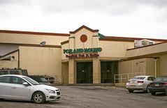 Fox and Hound (Nicholas Eckhart) Tags: usa retail bar america restaurant us pittsburgh pennsylvania grill pa tavern stores foxandhound 2016