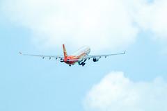 _MG_7083 (waychen_c) Tags: rctp tpe airplane airbus a330 a330300 香港航空 hongkongairlines blnn aircraft