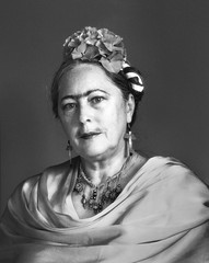 "178/366 Frida (si hubiera alcanzado la edad de jubilación) (ruthlesscrab) Tags: portrait bw self mujer artist frida wah kahlo unibrow sliders hss hereios ""we'rehere"" ""366the2016edition"" 3662016 26jun16 ""day178366"""