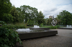 IMGP2250.jpg (Zeilenende) Tags: wasser stuttgart springbrunnen schlosspark fontne becken