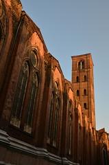 DSC_4742 (aktarian) Tags: bologna italy italija italia shadows sence shadowplay cerkev church katedrala cathedral