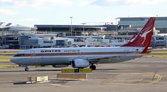 QANTAS VH-XZP Retro Roo (adelaidefire) Tags: new wales airport south sydney australia retro nsw boeing qantas roo 737 737838 vhxzp