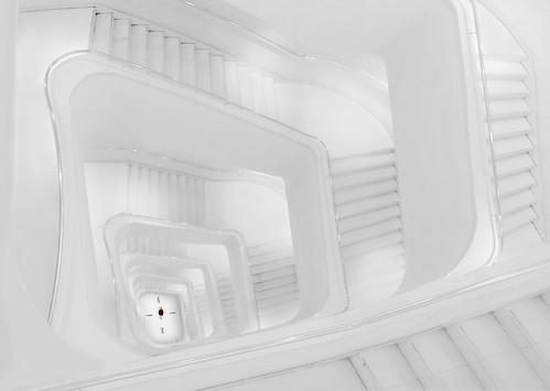 El reloj de Escher. /  Escher clock.