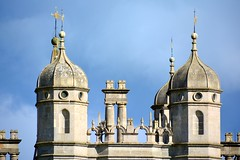 England 2016  Burghley House  Cupolas (Michiel2005) Tags: uk greatbritain roof england unitedkingdom britain lincolnshire cupola stamford engeland dak burghley vk burghleyhouse grootbrittanni verenigdkoninkrijk