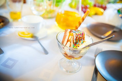 ice cream sweet (.Markowicz) Tags: summer sun white hot cold ice table dish sweet cream spoon słońce lato biały ciepło stół zimno talerz talerze łyżka słodkie lodu łyżki polewa