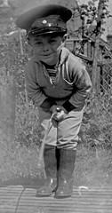Photo midget wearing yankee uniform