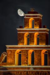 La pirámide roja (anwarvazquez) Tags: canon mexico noche maya yucatan luna yucatán merida julio vacaciones hdr mérida anwar 2013 canont2i anwarvazquez
