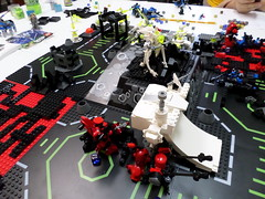 Tactical Withdrawal (Red_Robot_XIII) Tags: game mobile lego frame zero mecha microscale mfz mf0